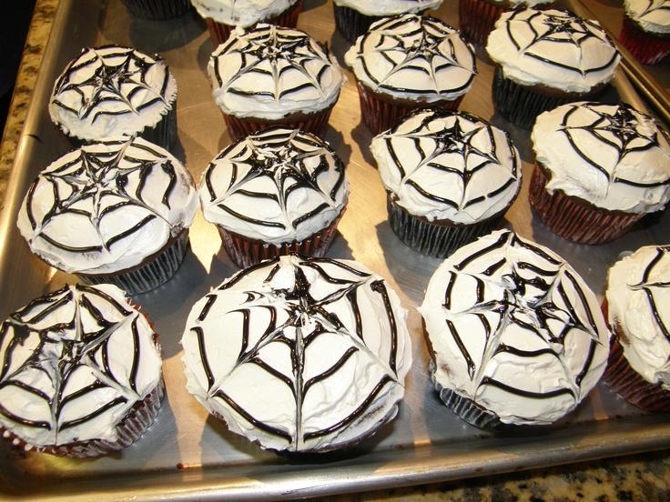 Halloween spider web cupcakes: Spider Webs, Web Cupcakes, Halloween Spider, Birthday Cakes