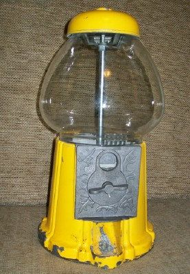 Vintage bubblegum machine- just love!