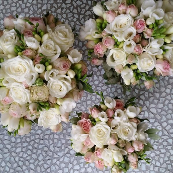 Flower tips for your wedding! Check out our recent interview with Deanna Byrne and her 5 tips on flowers https://zenue.svbtle.com/tips