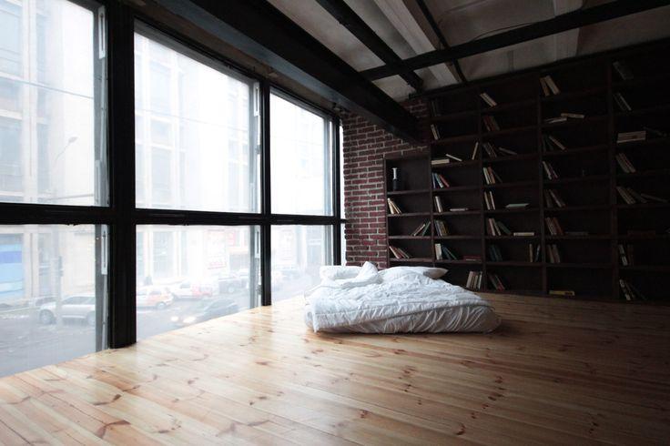Фотостудия в стиле Loft в Минске. Больше информации на сайте P-J.by  loft, фотостудия, фото, интерьер, кровать, лофт, шкаф, книги, книжный шкаф, минск