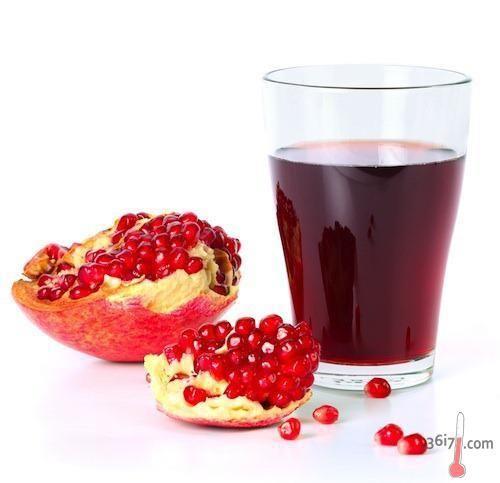 САМЫЕ ПОЛЕЗНЫЕ НАПИТКИ http://pyhtaru.blogspot.com/2017/01/blog-post_304.html  Самые полезные напитки:  1 Вода  Выводит токсины, поддерживает работу желудка, положительно влияет на состояние сосудов и суставов.  Читайте еще: ================================== НАТУРАЛЬНЫЕ СРЕДСТВА ОТ КАШЛЯ http://pyhtaru.blogspot.ru/2017/01/blog-post_91.html ==================================  2 Гранатовый сок  Нормализует работу сердца и сосудов, полезен при гипертонии и анемии.  3 Мятный чай  Стимулирует…