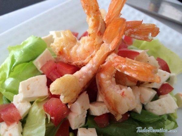 Salada de camarão light