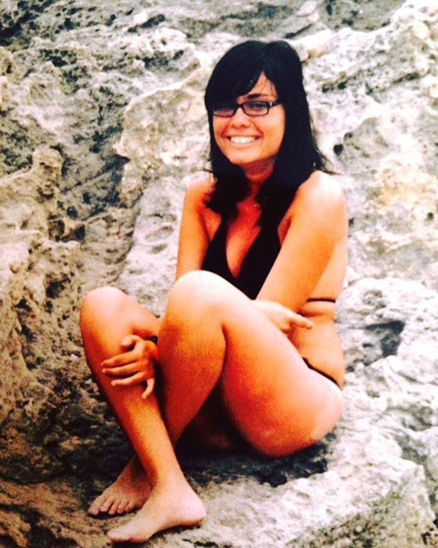 Di semplicità, giovinezza e occhiali in spiaggia. #ibiza #ibiza2006 #ricordi #enjoythelittlethings #salinas #click #ricordare #thebestofme #montereylocals #salinaslocals- posted by Sara Corna 🖤 https://www.instagram.com/sara_corna - See more of Salinas, CA at http://salinaslocals.com