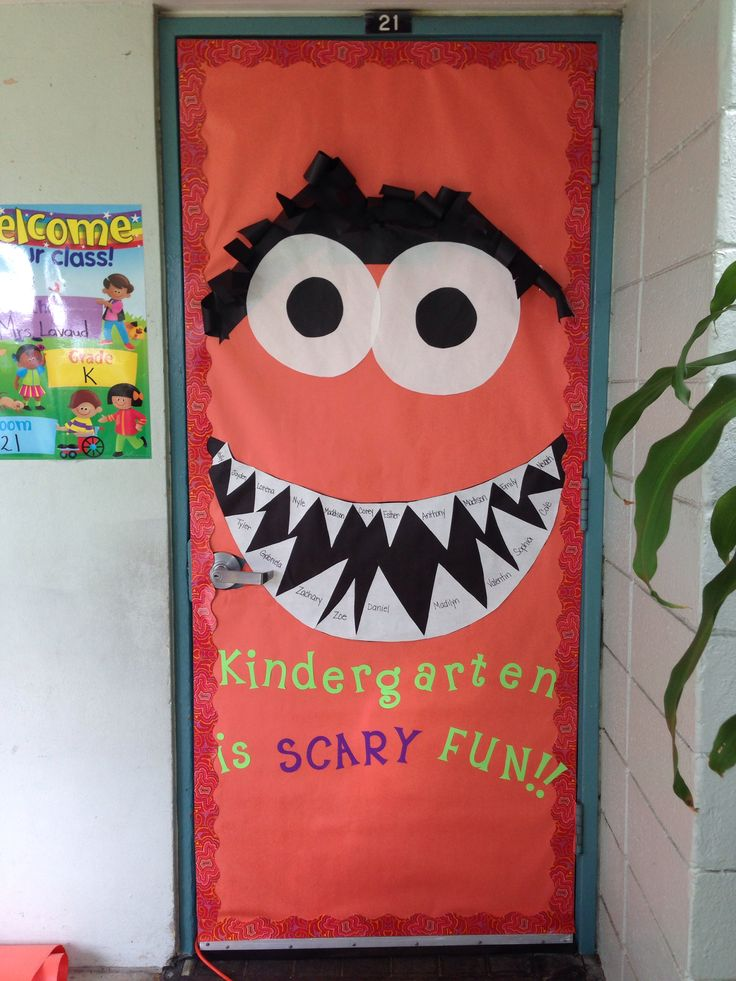 Fun fall {classroom} door Must try this one-totally do-able-