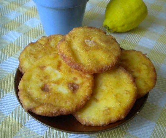 Tvorojnichi ( cucina russa)
