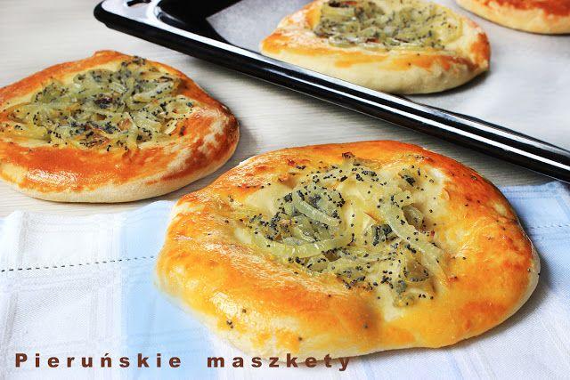 Pieruńskie maszkety - blog kulinarny: Cebularze lubelskie w wersji z karmelizowaną cebul...