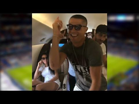 Cris dancing in his Private Jet 2017 with New Haircut after win the Champions League 2017...