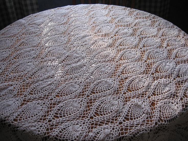 Thread Crochet   Pineapple Tablecloth