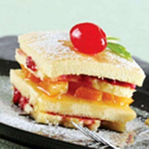 Şeftalili ve Böğürtlenli Kek