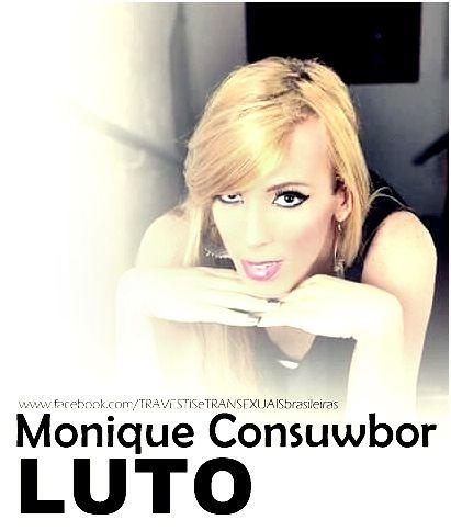 Nos deixa, MONIQUE CONSUWBOR, cantora e promotora de eventos na empresa Club Mix e Noite Transex.