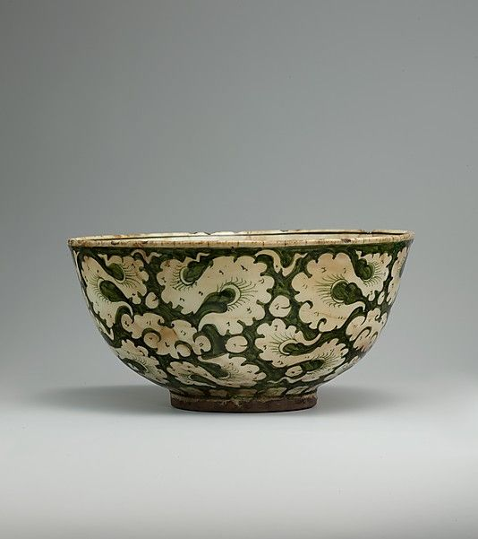Bowl with Cloud Decoration, late 17th–early 18th c Iran #ceramics #pottery