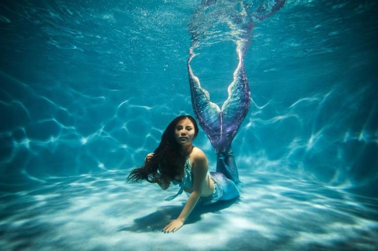 1,000 Americans work as mermaids and mermen full time - for reals