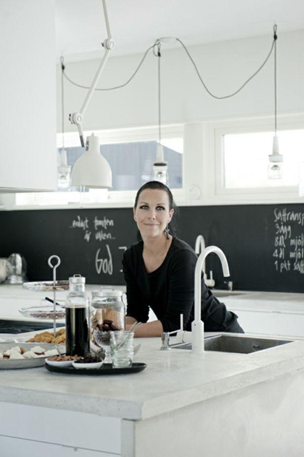 frische küchenrückwand ideen einfache schwarze Tafel