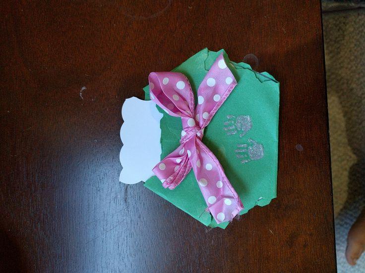 Diaper message holder for baby shower
