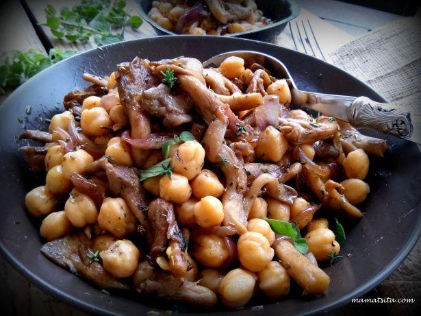 ρεβιθοσαλάτα με μανιτάρια