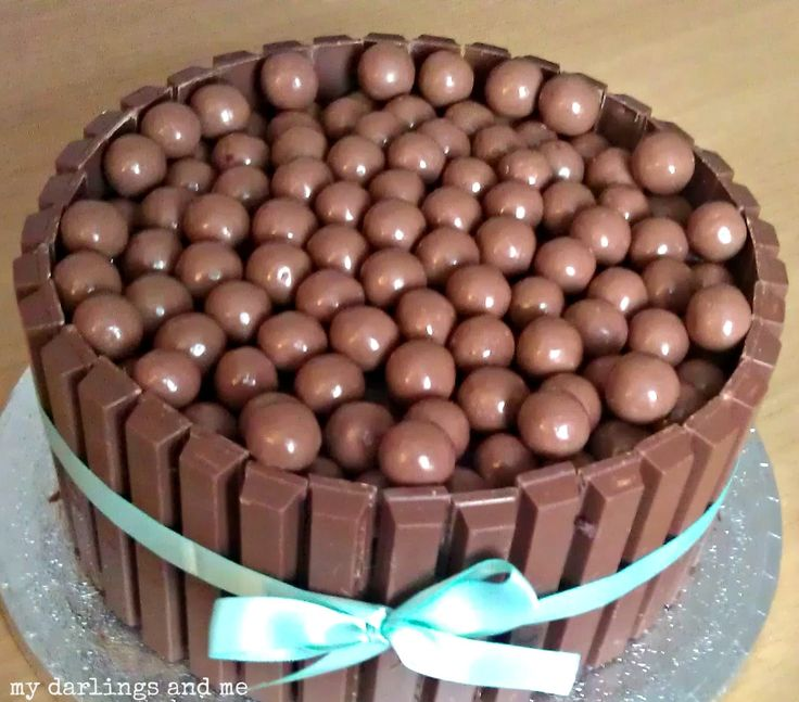 kitkat and maltesres cake