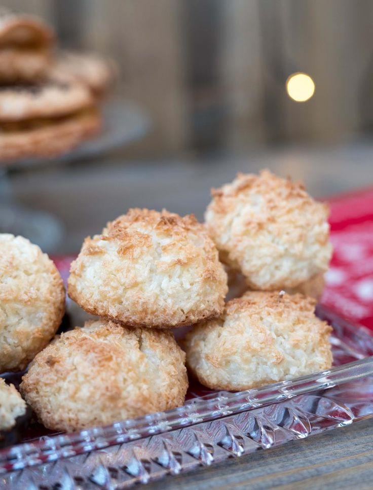 Elsker du kokosmakroner? Du trenger bare lage en deig for å lage kokosmakroner på tre ulike måter.
