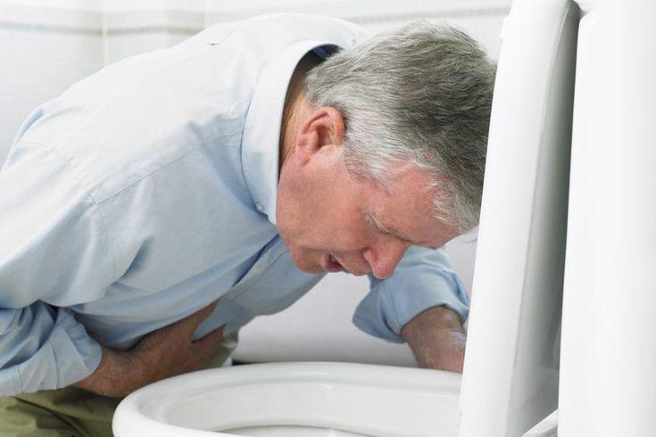 Cómo sentirse mejor después de la gripe estomacal. La gripe estomacal o gastroenteritis viral, se contrae al ingerir los gérmenes altamente contagiosos que causan la enfermedad. Puedes infectarte al compartir platos o utensilios, besar o comer alimentos o bebidas contaminados. La gripe estomacal ...