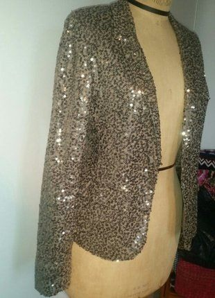 À vendre sur #vintedfrance ! http://www.vinted.fr/mode-femmes/autres-manteaux-and-vestes/27258592-veste-sequins-paillettes-ikks-t38-40-neuve