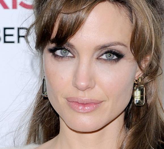 Angelina Jolie feline eyeliner