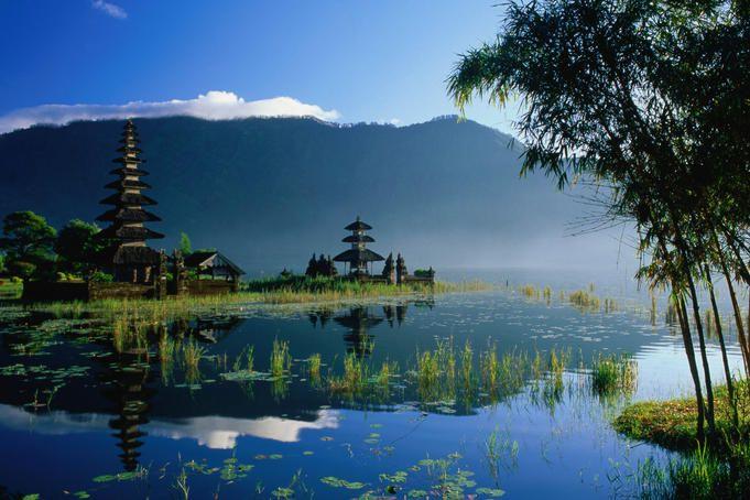 Pura Ulun Danau lake temple.