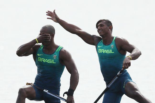 Isaquias e Erlon ganham prata e fazem história na canoagem velocidade do Brasil
