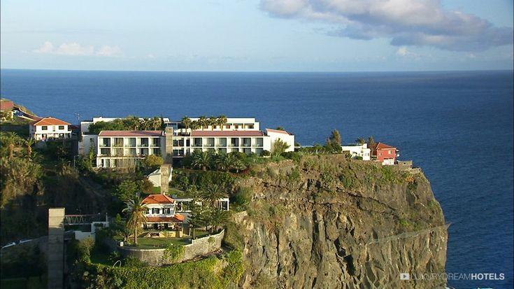 A very design quinta, perched on a cliff - Estalagem da Ponta do Sol, #Portugal