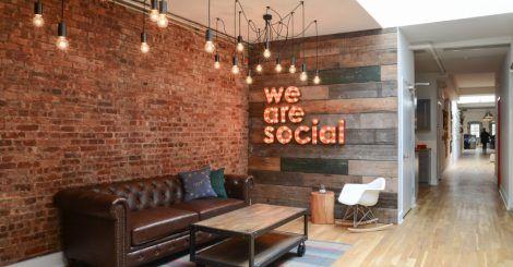 Um charme esse escritório de uma empresa de social media, feito pela Home Polish