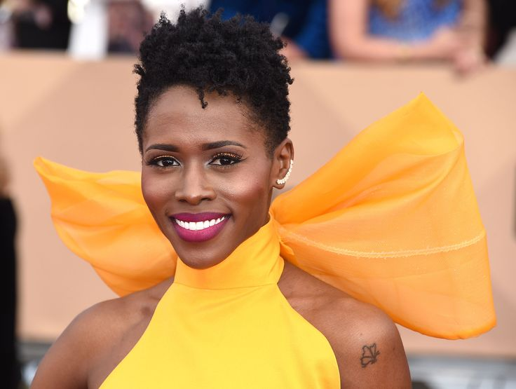 Sola Bamis absolutely shone with her dazzling yellow gown, and went for a magenta lipstick to contrast. #RedCarpetInspiration #Beauty #BeautyCrew