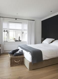 .wooden floor - mooi met antraciet en wit