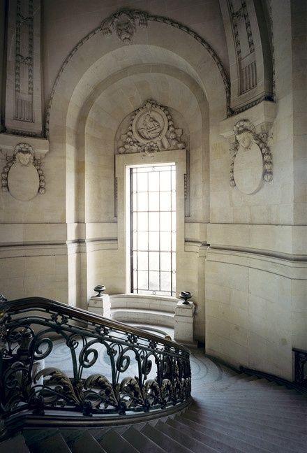 會 Gris Perle Reve會window to the past