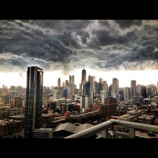Completely beautiful photo of a Chicago storm