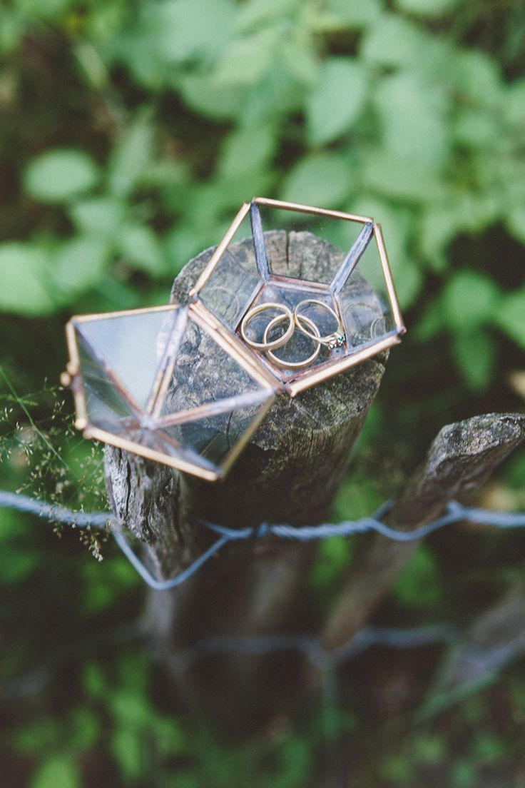 bohemian wedding in the woods - vintage geometric glass ringbox / photo by OAK