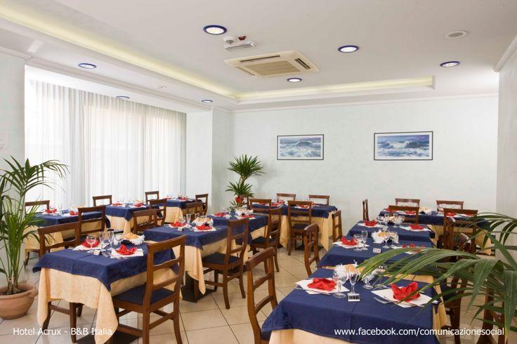 Gabicce (Marche) - Hotel Acrux. Sala Ristorante dove si gustano i nostri deliziosi piatti.