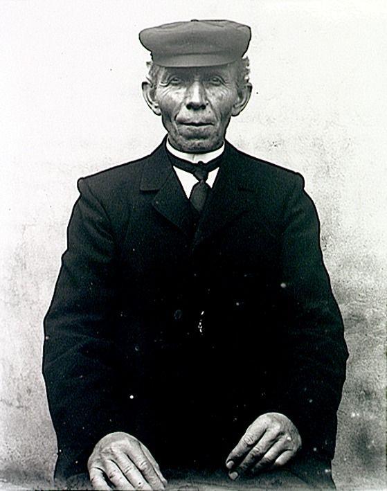 Man in zondags pak - Baken, Johannes Adrianus (fotograaf) - 1905 - 1915 #Brabant