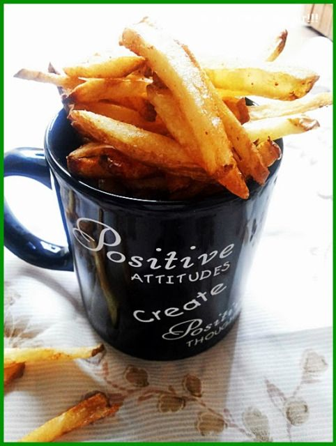French fries recipe: French fries just like you get in restaurants,fries that stay crispy for long,easy step by step french fries recipe @ http://cookclickndevour.com/2013/12/french-fries.html