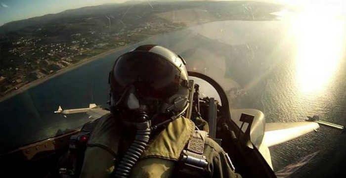 """""""Για ποιους πετάω στο Αιγαίο""""- Το ΣΥΓΚΛΟΝΙΣΤΙΚΟ κείμενο πιλότου μαχητικού που πρέπει να διαβάσεις"""