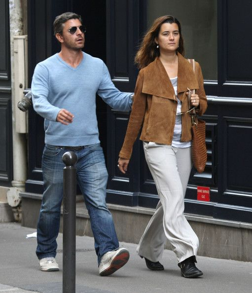 Cote de Pablo with her boyfriend Diego Serrano in Paris, France on May 9, 2012.
