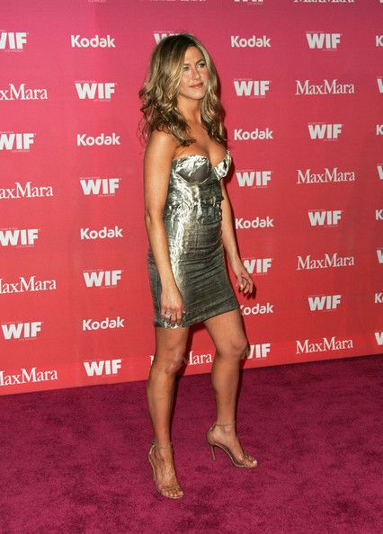 Jennifer Aniston Photos Photos - Celebrities attend the Women in Film 2009 Crystal And Lucy Awards at the Hyatt Regency Century Plaza Hotel. - Women In Film 2009 Crystal And Lucy Awards - Arrivals 2
