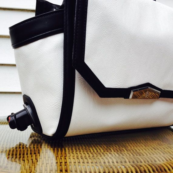 Bold Black and White Wine Purse - Serves 5 or 3 Liter Bag if Wine on Etsy, $39.00 #WinePurse