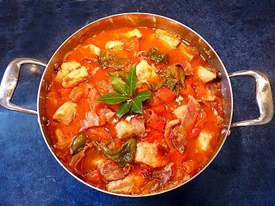 Découvrez la recette Sauté de dinde basquaise en images ! Dinde, Pas cher et plus encore... Aimer cuisiner, sans être un grand chef avec des recettes faciles, originales et authentiques. A déguster et partager !