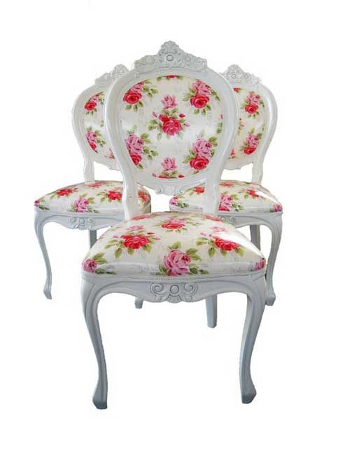 I could really fall in love with these chairs. One would be perfect for my shabby craft room.