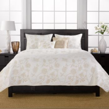 Create A Sense Of Elegance And Serenity In Your Bedroom Or Guest Room With  This Three Piece Cotton Quilt Set. This Stylish Quilt Features A White  Background ...