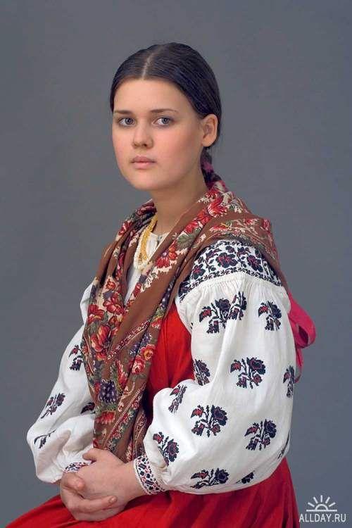 Русский национальный костюм RUSSIAN NATIONAL COSTUME