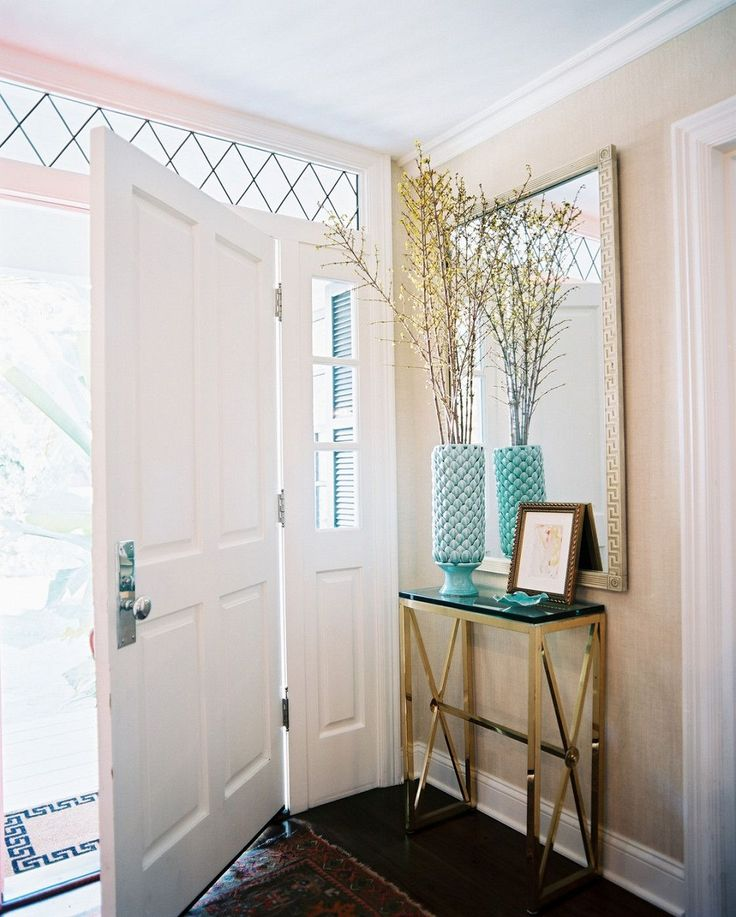 29 Small Foyer Decor Ideas For Tiny: 17 Best Ideas About Small Entryway Tables On Pinterest