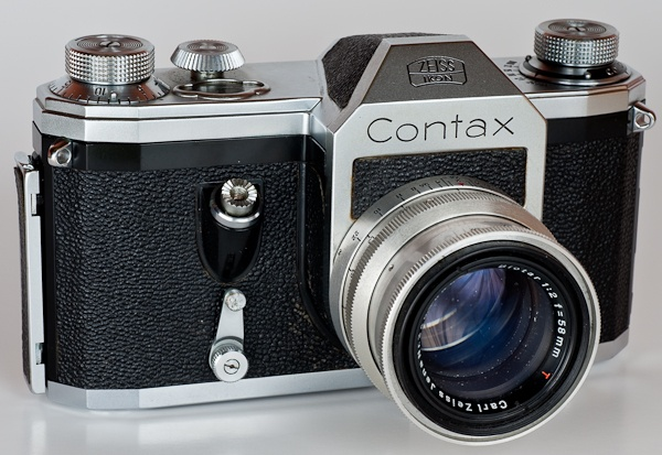 The First Pentaprism SLR - Contax S, in 1949