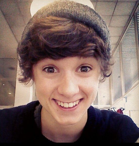 brad from the vamps Cutie :')