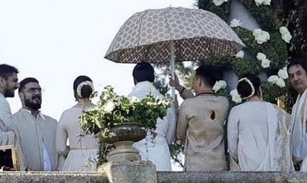 7 Reasons Why Deepveer And Virushka S Wedding Were Totally Similar To Each Other23 Beautiful Wedding Reception Celebs Ranveer Singh