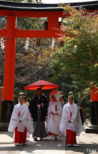 Shinto-style wedding Uji-gami-jinja, Kyoto | #japan #japanese_lifestyle #japanese_traditions #kyoto #shinto_wedding
