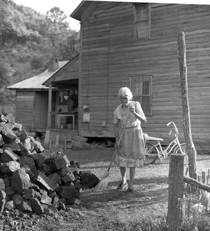 appalachian lifestyle A full day celebration of mountain heritage, music, dance, craft and appalachian life skills educational and entertaining, the event features craft demonstrations.